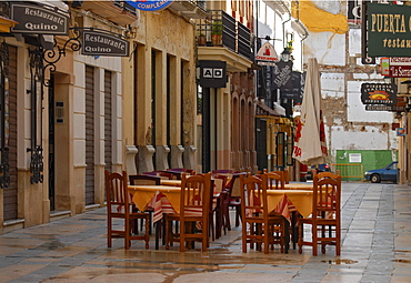 An alley, tables and chairs in the early morning, Ronda, Andalusia, Spain, Europe