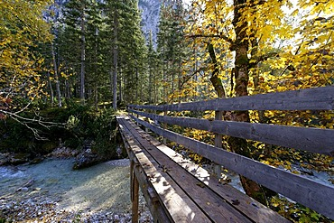 Bridge over the Isar, Hinterautal, Isar spring valley, Karwendel, near Scharnitz, Tyrol, Austria, Europe