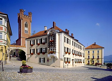 District court with carillon and town tower, Stadtplatz town square, Furth im Wald, Bavarian Forest, Upper Palatinate, Bavaria, Germany, Europe