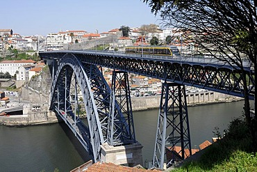 Ponte de D. Luis I. bridge over the Douro river, Porto, North Portugal, Europe