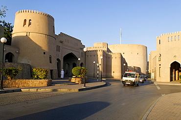 Nizwa Fort or Castle and Souk, Hajar al Gharbi Mountains, Dhakiliya Region, Sultanate of Oman, Arabia, Middle East