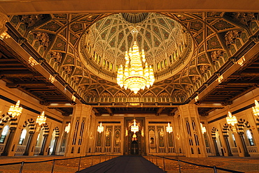 Central prayer hall at the Sultan Qaboos Grand Mosque, Muscat, Sultanate of Oman, Arabia, Middle East