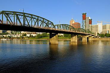 Willamette River in Portland, Oregon, USA