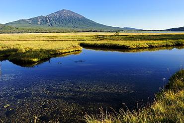 Sparks Lake and Mount Bachelor volcano, Cascade Range, Oregon, USA