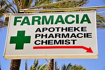 "Sign ""Farmacia/Pharmacy"" at the Playa de Palma, El Arenal, Majorca, Balearic Islands, Spain, Europe"