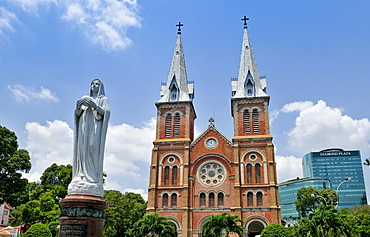 Notre Dame Catholic Cathedral, Nha Tho Duc Ba - Church of our Lady, with Madonna statue, in the back the Diamond Plaza Shopping Center, Saigon, Ho Chi Minh City, Vietnam, Southeast Asia