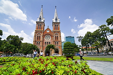 Catholic Cathedral of Notre Dame, Nha Tho Duc Ba - Church of Our Lady, in the back the Diamond Plaza Shopping Center, Saigon, Ho Chi Minh City, Vietnam, Southeast Asia