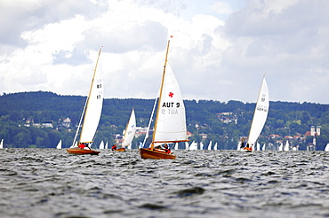 Sailboats on the Starnberger See lake, Bavaria, Germany, Europe
