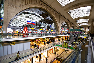 Leipzig's main station with shopping arcade, Leipzig, Germany, Europe