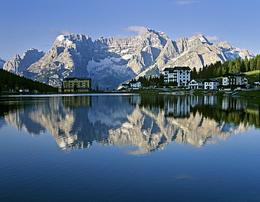 Misurinasee lake, Sorapiss Massif, Dolomites, Province of Belluno, Italy, Europe