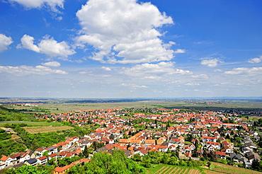 Panoramic view from Wachtenburg castle on Wachenheim and the Rhine Valley, Wachenheim, Naturpark Pfaelzerwald nature reserve, Palatinate, Rhineland-Palatinate, Germany, Europe