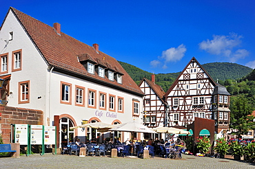 Town hall square with the Keysereck, so-called Keyser'sches Anwesen estate, timbered house, Annweiler, Naturpark Pfaelzerwald nature reserve, Palatinate, Rhineland-Palatinate, Germany, Europe