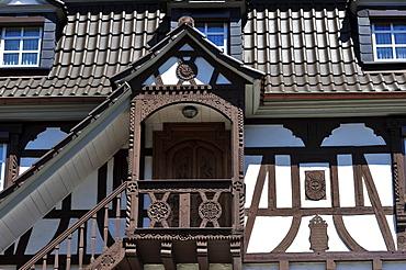 Half-timbered facade with bay, Doerrenbach, Naturpark Pfaelzerwald nature reserve, Palatinate, Rhineland-Palatinate, Germany, Europe