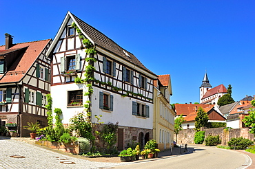 Half-timbered houses in the historic centre with Liebfrauenkirche Church of Our Lady, Gernsbach, Murgtal, Black Forest, Baden-Wuerttemberg, Germany, Europe