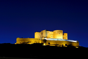 Caballeros de San Juan de Jerusalen Castle, 12th century, at dusk, Consuegra, province of Toledo, Route of Don Quixote, Castilla-La Mancha, Spain, Europe