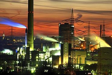 Waste-to-energy-plant Essen-Karnap, RWE Power AG, Essen, Emscher sewage works Bottrop, Ruhr Area, North Rhine-Westphalia, Germany, Europe