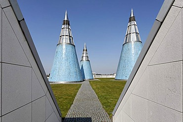 Art- and exhibition-hall of the German Federal Republic, conical light towers, roof-top garden, Bonn, North Rhine-Westphalia, Europe