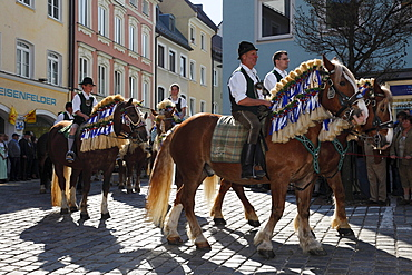 Georgiritt, George's Ride, Easter Monday procession, Old Town, Traunstein, Chiemgau, Upper Bavaria, Bavaria, Germany, Europe