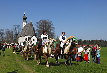 Georgiritt, George's Ride, Easter Monday procession, Ettendorf Church, Traunstein, Chiemgau, Upper Bavaria, Bavaria, Germany, Europe
