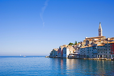 Rovinj historic centre, seen from the pier of the southern harbour, Rovinj, Istria, Croatia, Europe