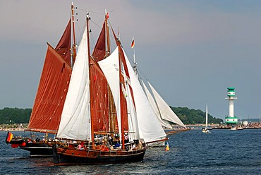 Sailing ships at the windjammer parade of the Kiel Week 2006 with Friedrichsort lighthouse at back, Kiel Fjord, Schleswig-Holstein, Germany, Europe