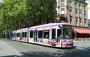 Tram, Sachsenhausen, Frankfurt, Hesse, Germany, Europe