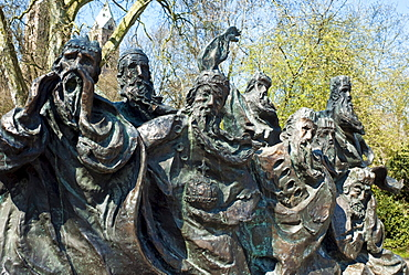 """Statue in the Domgarten cathedral garden by Zeuner. After the legend """"The Ferryman's Dream"""", Speyer, Rhineland-Palatinate, Germany, Europe"""