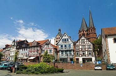 Market Square, Marienkirche Church in the back, landmark of Gelnhausen, Hesse, Germany, Europe