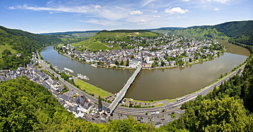 View of the city of Traben-Trarbach, Mosel, district Bernkastel-Wittlich, Rhineland-Palatinate, Germany, Europe