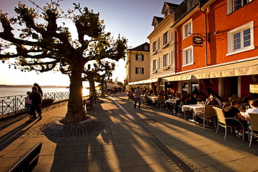 Waterfront promenade on Lake Constance in Meersburg on Lake Constance, administrative district of Tuebingen, Bodenseekreis district, Baden-Wuerttemberg, Germany, Europe