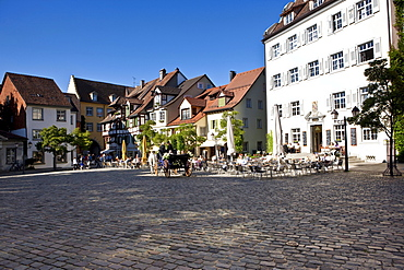 Marketplace with wedding carriage, Meersburg on Lake Constance, administrative district of Tuebingen, Bodenseekreis district, Baden-Wuerttemberg, Germany, Europe