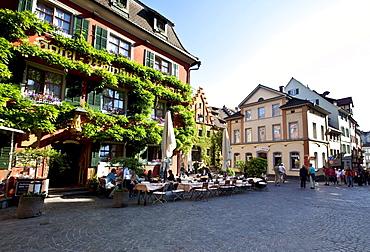 Hotel and Weinstube wine tavern Loewen, Meersburg on Lake Constance, administrative district of Tuebingen, Bodenseekreis district, Baden-Wuerttemberg, Germany, Europe