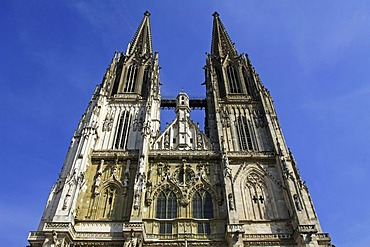 Restored towers of the St Peter Cathedral, Regensburg, Upper Palatinate, Bavaria, Germany, Europe