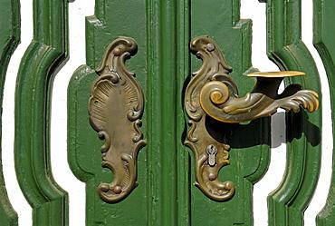 Old decorative door handle on an old door, Lueneburg, Lower Saxony, Germany, Europe