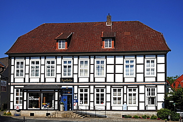 """Lower Saxony half-timbered house """"Alte Apotheke"""" """"Old Pharmacy"""", 18th cent., Bad Essen, Lower Saxony, Germany, Europe"""