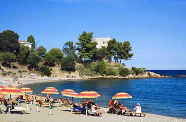 Beach with parasols, Santa Maria Navarrese, Sardinia, Italy, Europe