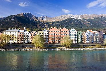 Mariahilf, row of houses in autumn, Inn river, the Alps, Karwendel, Old Town, Innsbruck, Inn valley, Tyrol, Austria, Europe