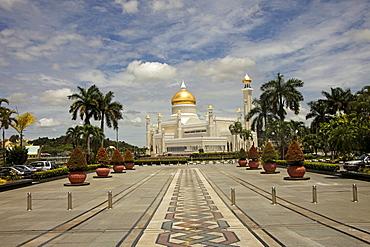 Royal Mosque of Sultan Omar Ali Saifuddin in the capital city, Bandar Seri Begawan, Brunei, Asia