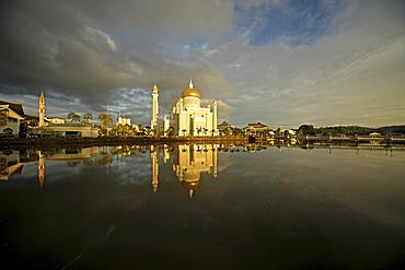 Royal Mosque of Sultan Omar Ali Saifuddin reflected in a lagoon in the capital city, Bandar Seri Begawan, Brunei, Asia