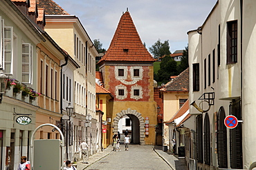 Tower and town gate in the historic centre of &esk˝ Krumlov, Czech Republic, Europe