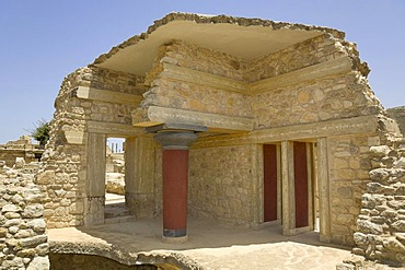 Section of the Southern Propylaea on the grounds of the Minoan excavation of Knossos, Heraklion, island of Crete, Greece, Europe