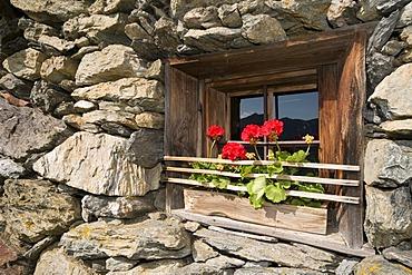 Window of an alpine hut, Laerchenberg alp, Windautal valley, Westendorf, Tyrol, Austria, Europe