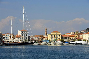 Harbour, yacht and motor boats, Mytilene, Lesbos, Aegean Sea, Greece, Europe