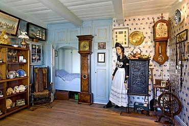 Museum Friesenstube, Frisian living room, on Honkenwarft dwelling mound, Hallig Langeness, North Frisia, Schleswig-Holstein, Germany, Europe