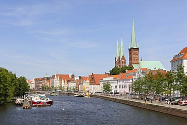 Historic centre, Marienkirche Church and St Petri tower, Luebeck, Schleswig-Holstein, Germany