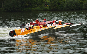Speedboats launching in Brodenbach on the Moselle river at the International Motor Race, Brodenbach, Rhineland-Palatinate, Germany, Europe