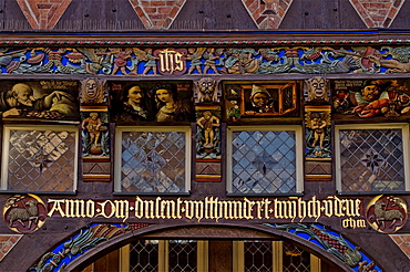 Detail of the front of the Knochenhaueramtshaus butcher's guild house on the market square, Hildesheim, Lower Saxony, Germany, Europe