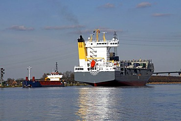 Two ships at the Kiel-Canal in Brunsbuettel, district Dithmarschen, Schleswig-Holstein, Germany,