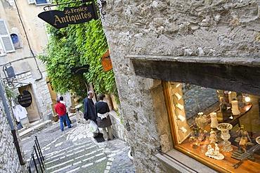 Antiques, antique shop in St.-Paul-de-Vence, Cote d'Azur, Provence, France