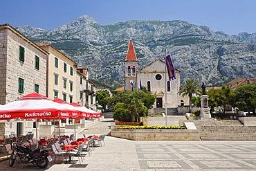 Kacicev square and church Sveti Marco, Saint Marc in the town center of Makarska, Dalmatia, Croatia, Mediterranean, Europe